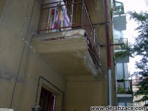 Balkon před opravou