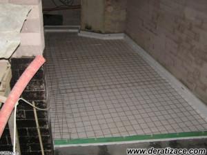 Betonáž plovoucí podlahové desky.